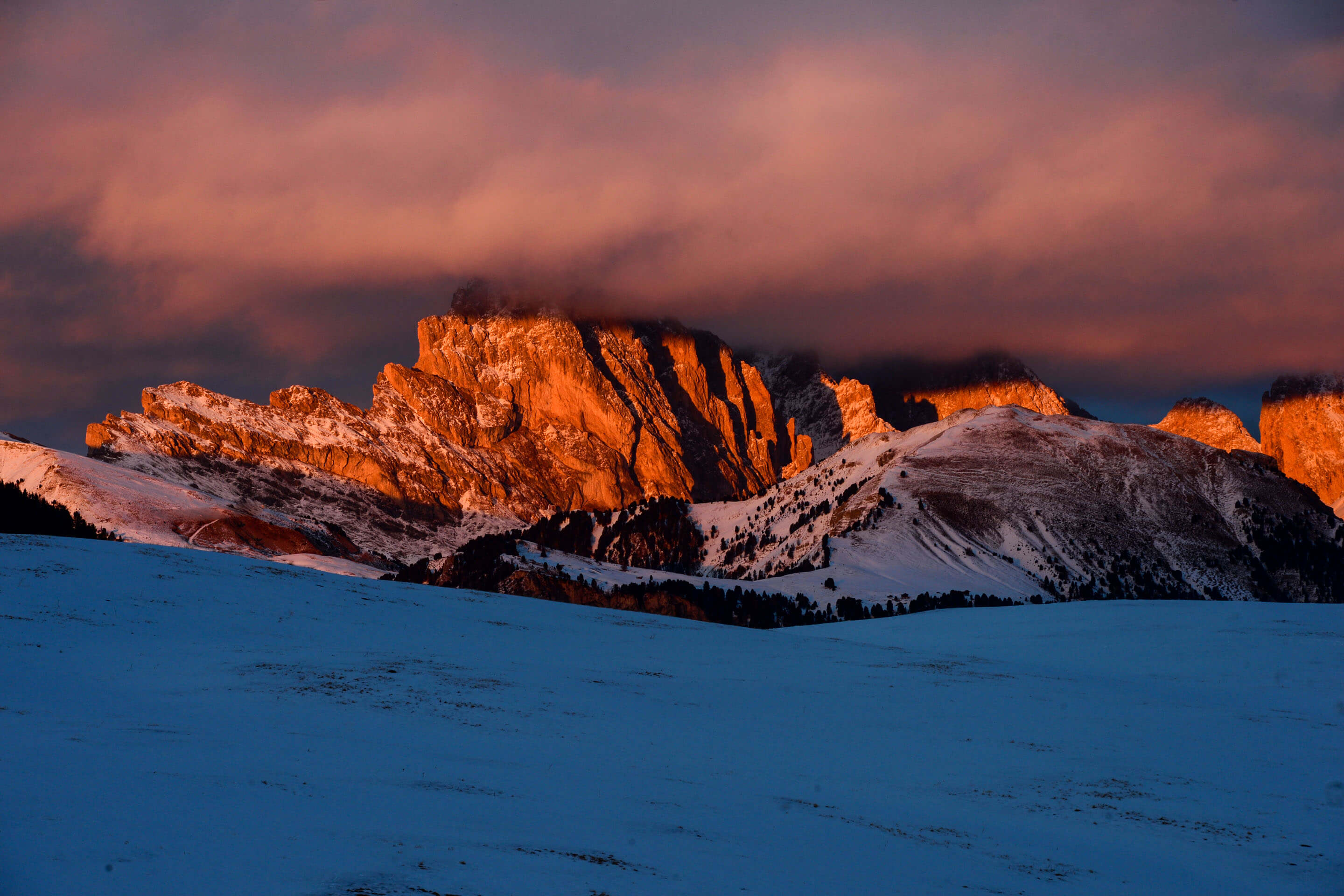Winter holiday with great skiing at Alpe di Siusi and Val Gardena